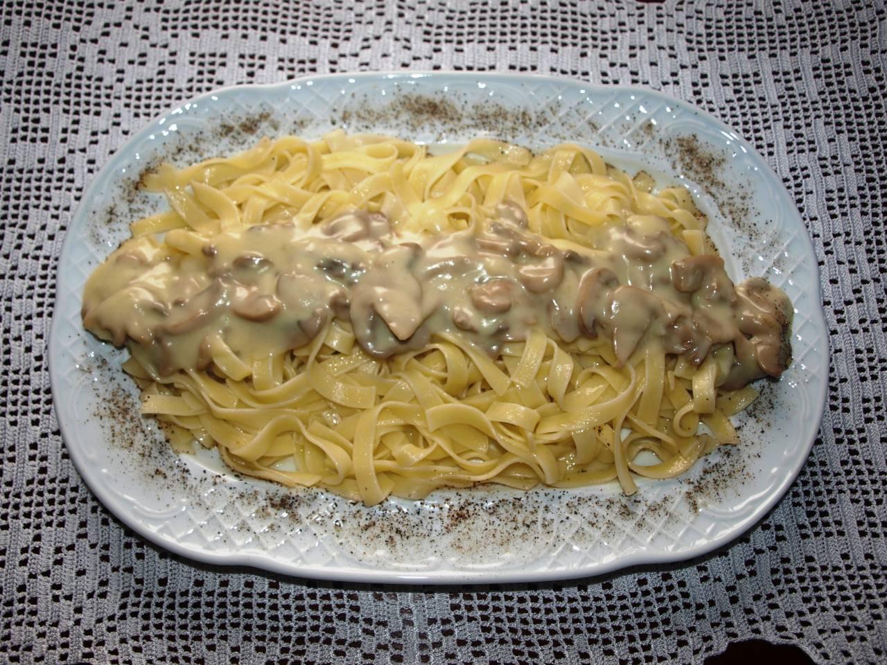 Σκορδολάζανα >  με μανιτάρια